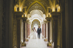 small and intimate ceremony for this american elopement in music room of Monserrate Palace in Sintra Portugal jesuscaballero.com #elop #americans #destination #abroad #europe #portugal #photographer #intimate #ceremony #musicroom #palace #sintra