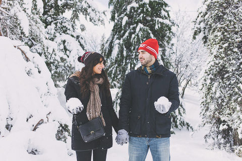 winter snow honeymoon session in Portugal