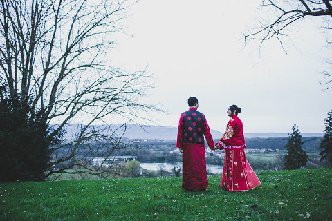 jesus caballero photographed a chinese wedding in Geneva, with a traditional chinese dress ceremony tea genièvre photographe de mariage