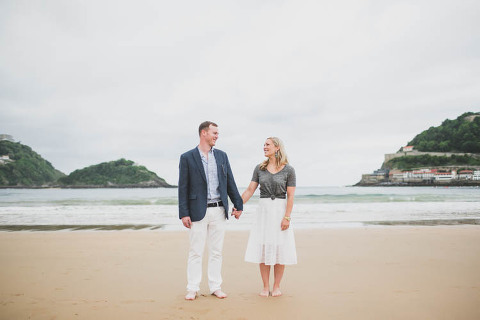 pre wedding in san sebastian north of spain of american couple by the san sebastian wedding photographer jesus caballero