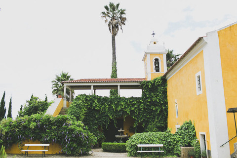 Sintra vineyard wedding at quinta santa ana in gradil, portugal, by jesus caballero photographer #sintra #gradil #quintasantaana #quinta #yellow #vineyardwedding #vineyard #wedding #countryside #boho
