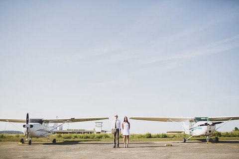 natural and modern pre wedding session wit planes