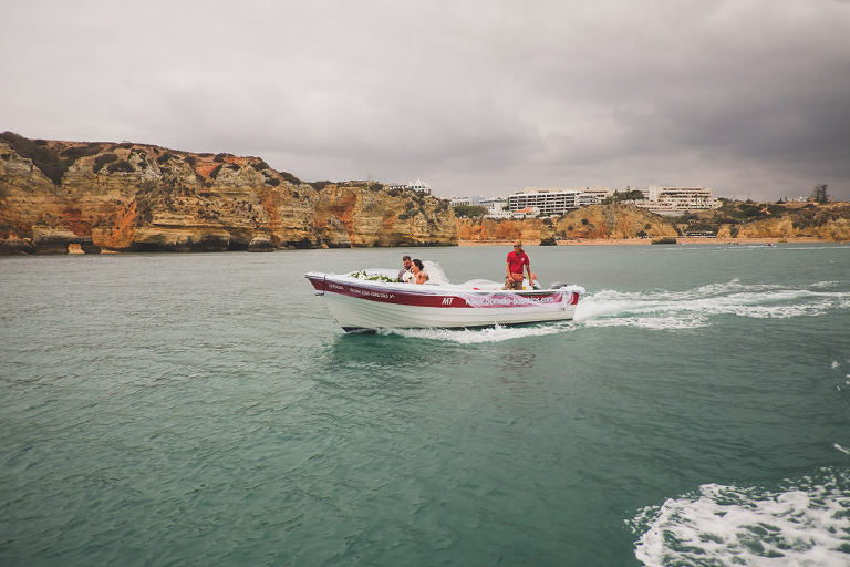 boat wedding in algarve couple elopement jesuscaballero.com