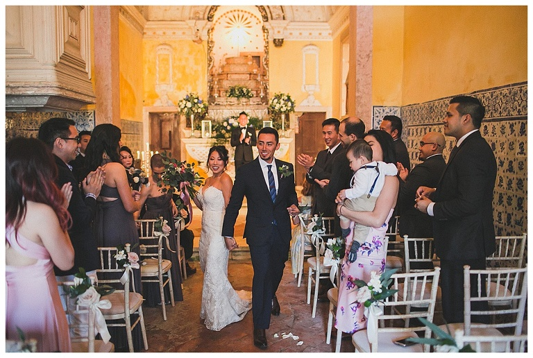 exit of bride and groom from the chapel at Quinta My vintage #exit #weddingtime #weddingceremony #sintrawedding #quintamyvintagewedding