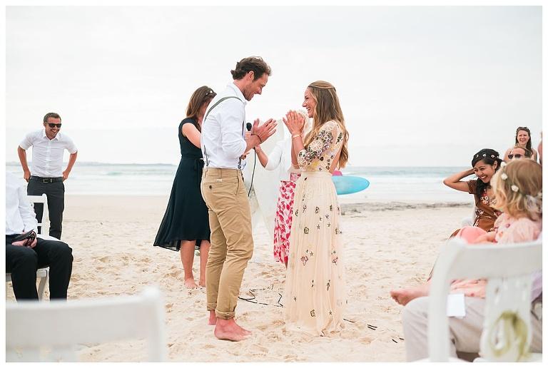 Beachy boho surf wedding in Peniche - Janet-Tom #beach #peniche #baleal #surf #beachwedding #namaste #yogawedding #yogalife #beach #peniche #baleal #surf #beachwedding